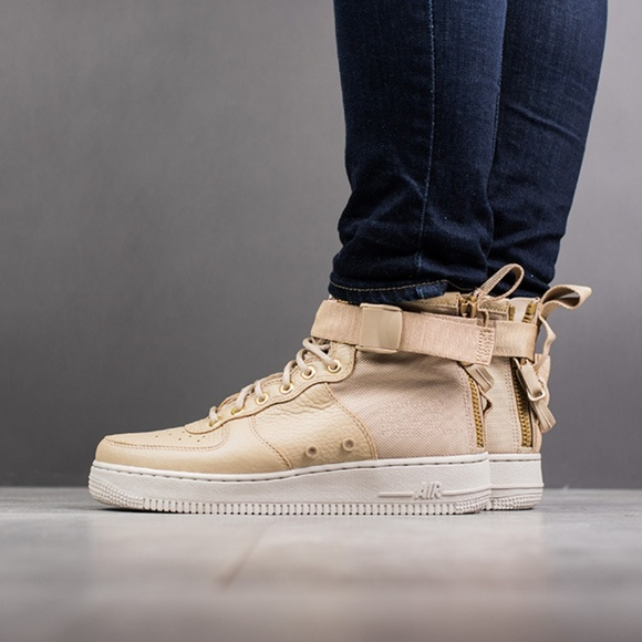 uk availability 9d8f7 72115 NEW Nike SF Air Force 1 Tan Mid Lifestyle Shoes
